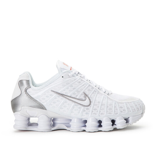 baskets Nike Shox Blanches Homme