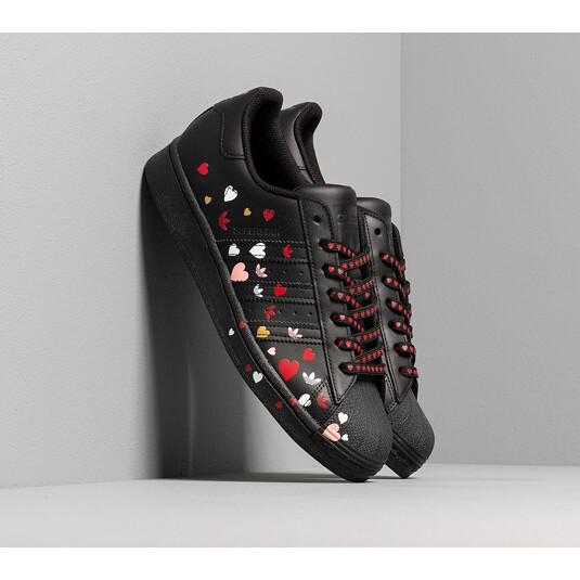 baskets adidas Superstar Noires Femme FV3288