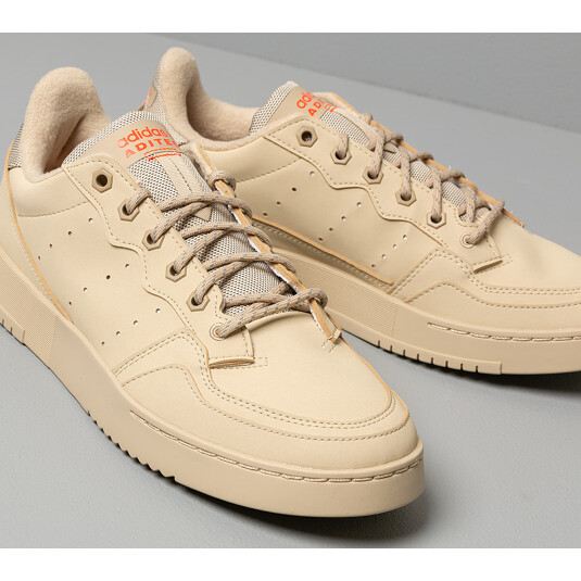 baskets adidas Supercourt Marrons Homme FV4656