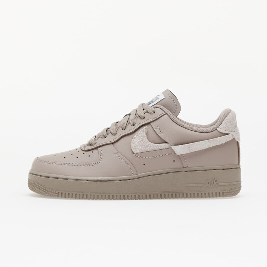 baskets Nike Air Force 1 Roses Femme DH3869-200